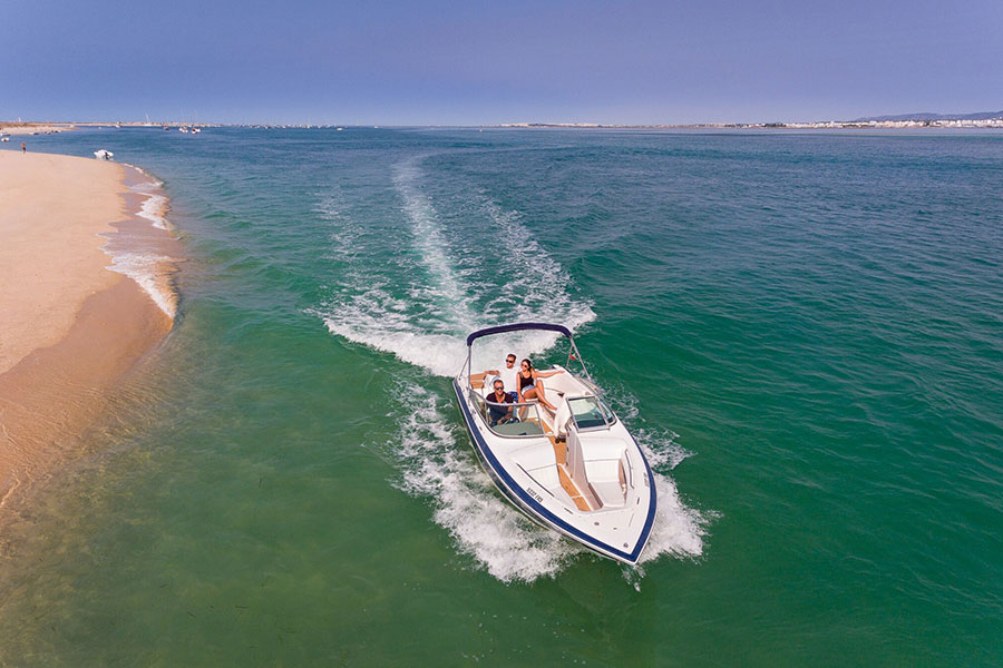 luxury motor boat artur watersports academy